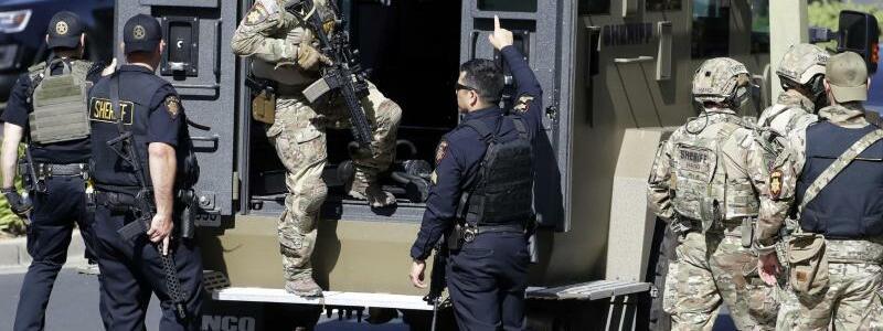 Im Einsatz - Foto: Marcio Jose Sanchez/AP