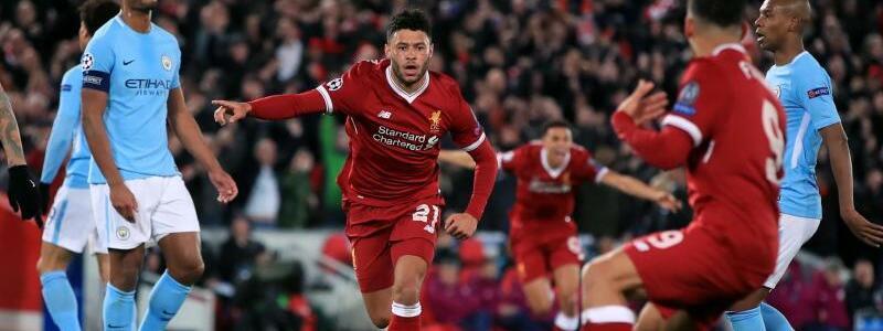 FC Liverpool - Manchester City - Foto: Alex Oxlade-Chamberlain (M) jubelt über seinen Treffer zum 2:0 für den FC Liverpool. Foto:Peter Byrne/PA Wire