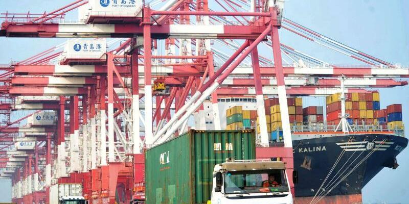 Containerhafen in Qingdao - Foto: Yu Fangping/SIPA Asia via ZUMA Wire