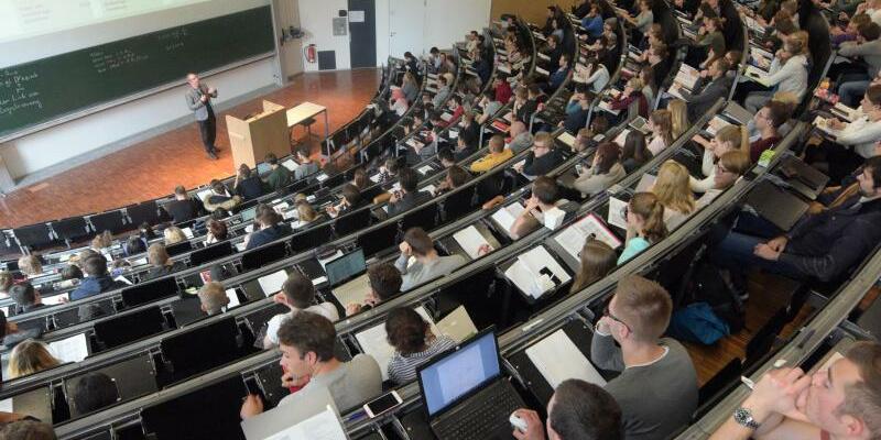 Studenten im Hörsaal - Foto: Stefan Puchner