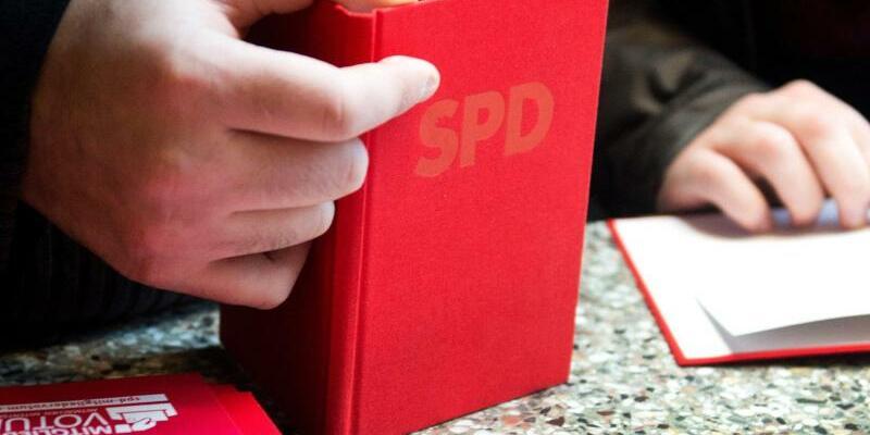 SPD-Parteibuch - Foto: Bernd Thissen