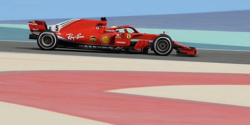 Bestzeiten - Foto: Beim Training in Bahrain fuhren Sebastian Vettel und Teamkollege Kimi Räikkönen Bestzeiten. Foto:Luca Bruno/AP