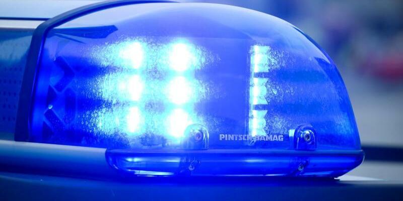 Polizei Blaulicht - Foto: P. Pleul/Archiv