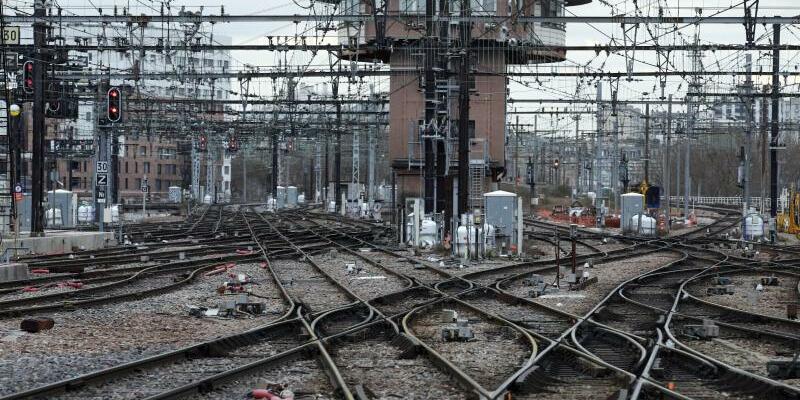 Bahnstreik in Frankreich - Foto: Francois Mori/AP