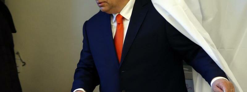 Orban - Foto: Darko Vojinovic/AP