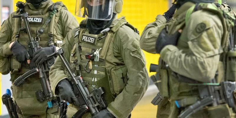 Razzien in «Reichsbürgerszene» - Foto: Boris Roessler/Symbol