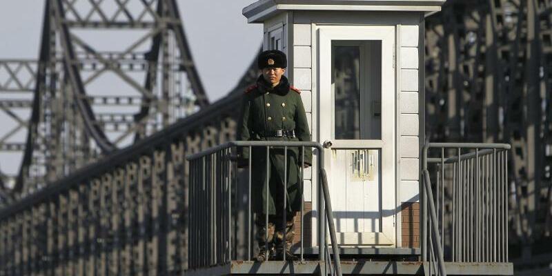 Chinesisch-nordkoreanische Grenze - Foto: How Hwee Young