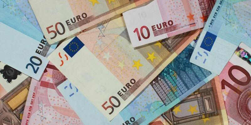 Euro-Geldscheine - Foto: Jens Wolf/Illustration