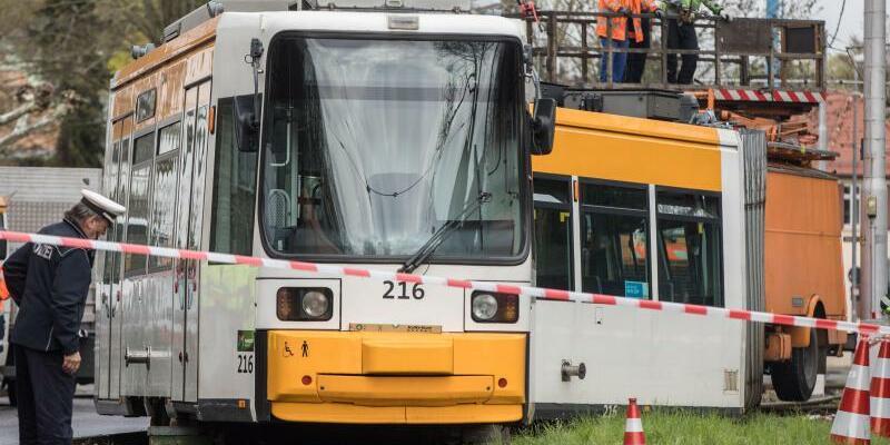 Straßenbahn entgleist - Foto: Frank Rumpenhorst