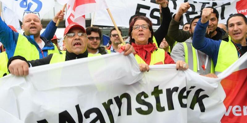 Warnstreik im öffentlichen Dienst - Foto: Arne Dedert