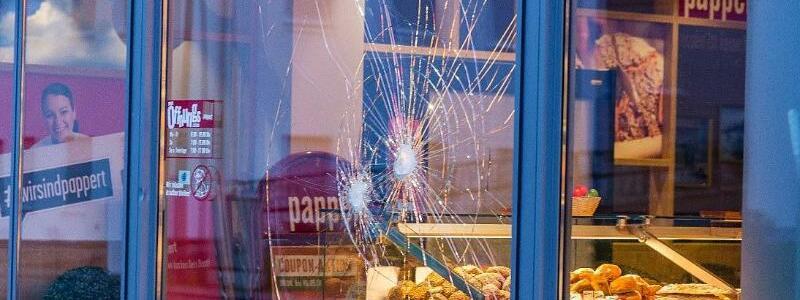 Angriff vor Bäckerei in Fulda - Foto: Marius Auth/osthessen-news/dpa