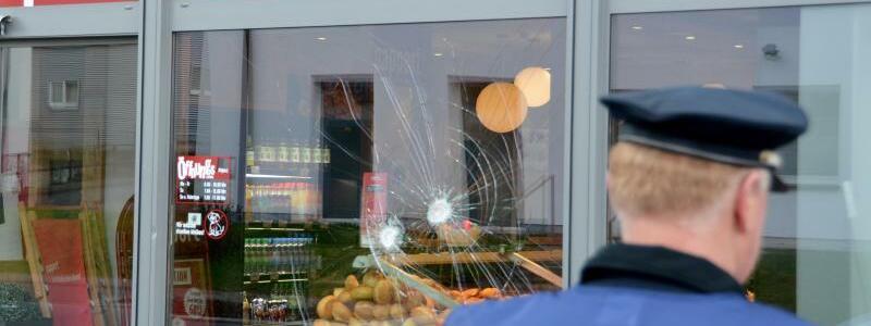 Angriff vor Bäckerei in Fulda - Foto: Jörn Perske