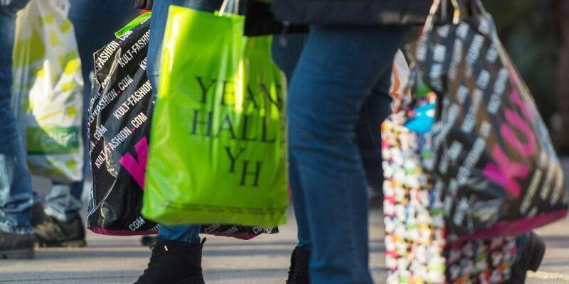Einkaufstüten - Foto: Nikolai Huland