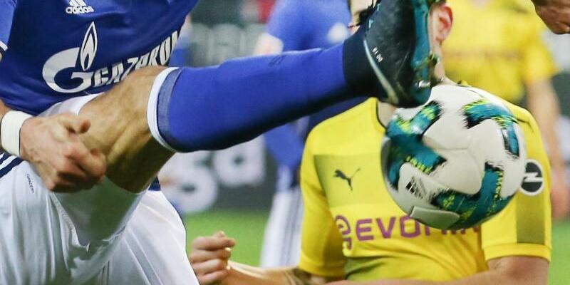 Revierderby Schalke - Dortmund - Foto: Friso Gentsch