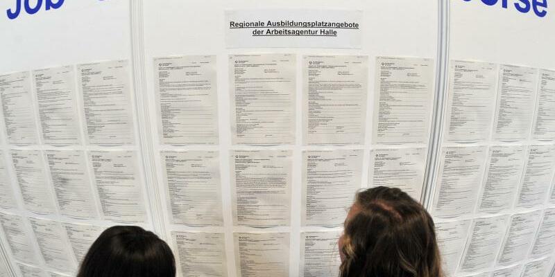 Job- und Lehrstellenbörse - Foto: Weniger als ein Fünftel der Betriebe bildet aus. Foto:Hendrik Schmidt