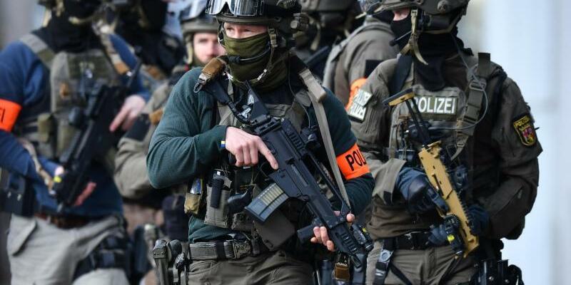 Spezialeinsatzkommando - Foto: Uwe Anspach/Illustration