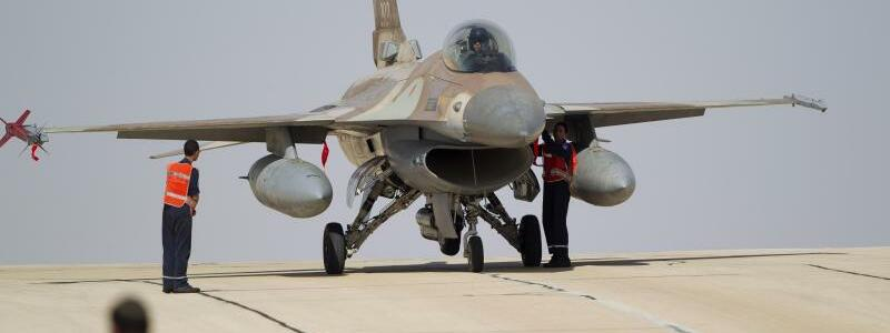 Israelischer F-16-Kampfjet - Foto: Ariel Schalit/AP