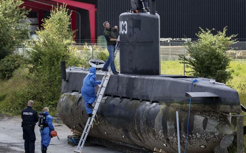 U-Boot - Foto: Beamte der Spurensicherung untersuchen das U-Boot «Nautilus» des dänischen Ingenieurs Peter Madsen. Foto:Jacob Ehrbahn/Ritzau Foto/Archiv