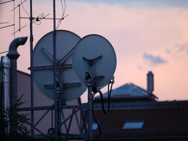 Satellitenschüsseln - Foto: über dts Nachrichtenagentur