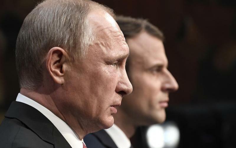 Macron und Putin - Foto: Stephane De Sakutin/AFP POOL/AP/Archiv