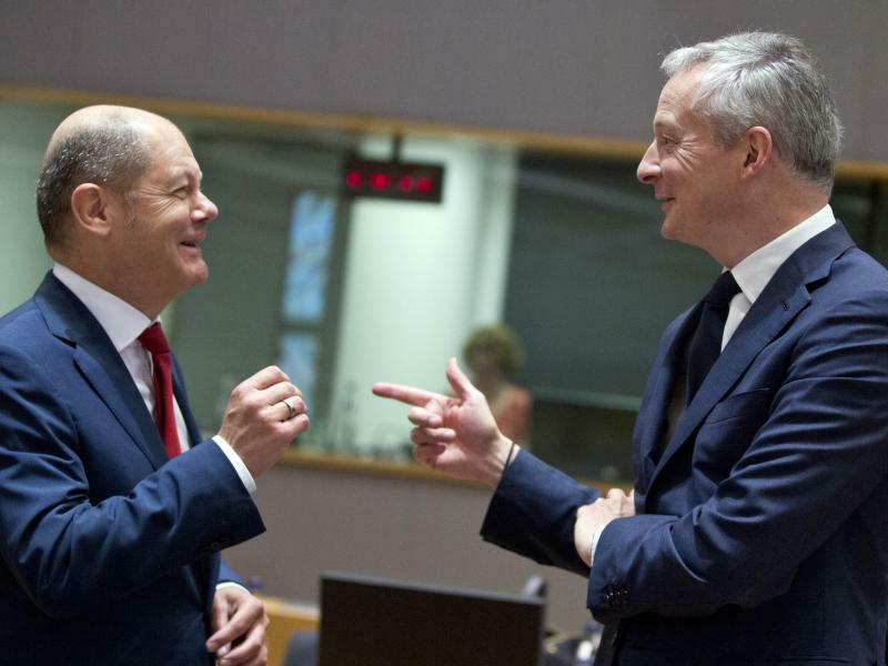 Scholz und Le Maire in Brüssel - Foto: Virginia Mayo/AP