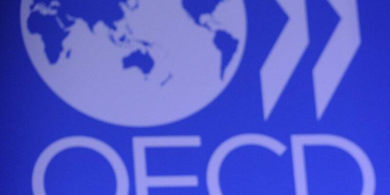 OECD-Schriftzug - Foto: Yoan Valat/EPA