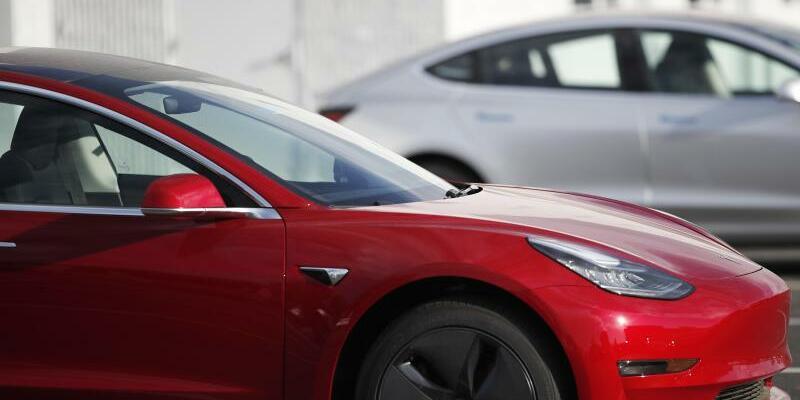 Tesla Model 3 - Foto: David Zalubowski/AP