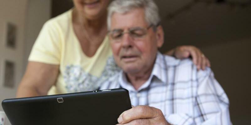 Computerspiele - Foto: Man ist nie zu alt zum Zocken:Computerspiele sprechen auch die Altersgruppe der über 50-Jährigen an. Foto:Silvia Marks