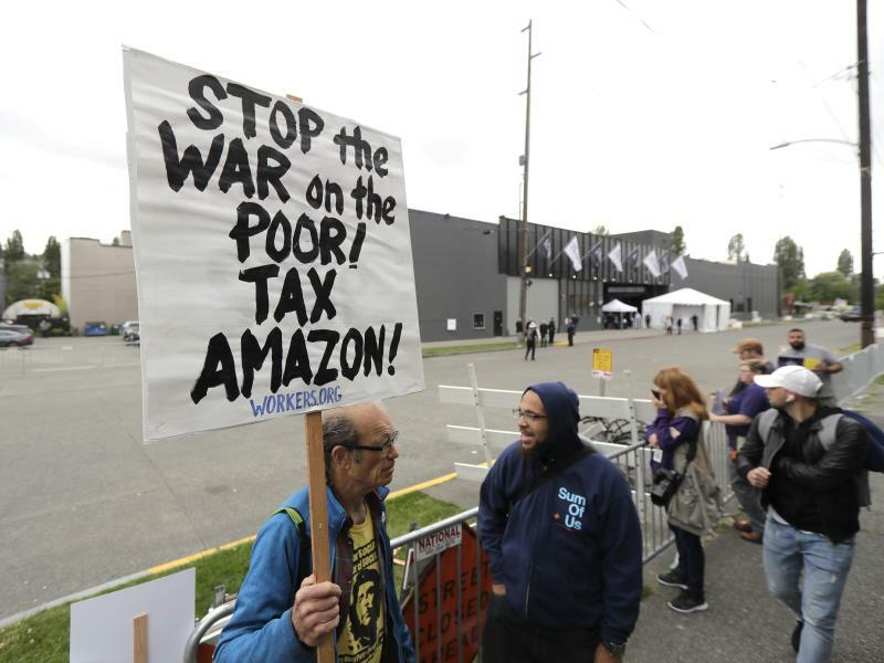 Proteste bei Amazon-Hauptversammlung - Foto: Ted S. Warren
