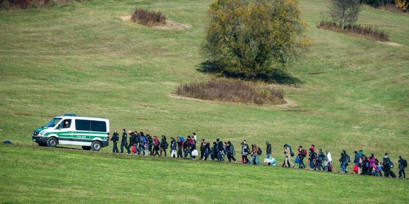Flüchtlinge - Foto: Sinnbild für die Situation im Jahr 2015:Flüchtlinge an der deutsch-österreichischen Grenze. Foto:Armin Weigel