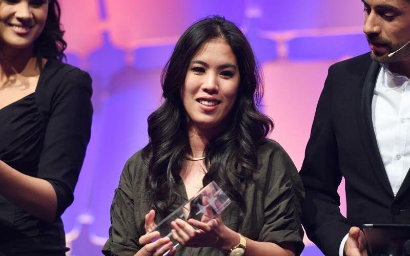 Grimme Online Awards - Foto: Mai Thi Nguyen-Kim (M) bekam bei der Verleihung der Grimme Online Awards den Preis in der Kategorie «Wissen und Bildung». Foto:Henning Kaiser