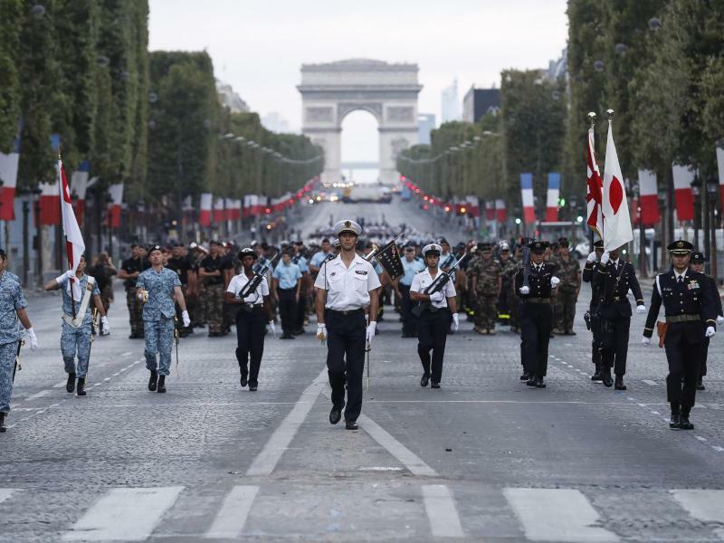 Vorbereitungen auf den Nationalfeiertag in Frankreich - Foto: Jean-Francois Badias/AP