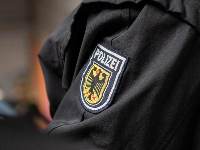 Bundespolizist - Foto: Paul Zinken/Archiv