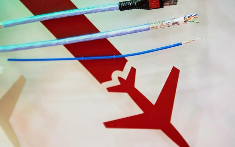 Internet im Flugzeug - Foto: Zwar ist Internet im Flugzeug schon lange möglich und vor allem in den USA weit verbreitet. In Europa aber bleiben viele Airlines skeptisch. Foto:Maja Hitij