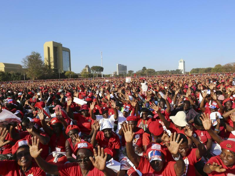 Wahl in Simbabwe - Foto: Tsvangirayi Mukwazhi/AP