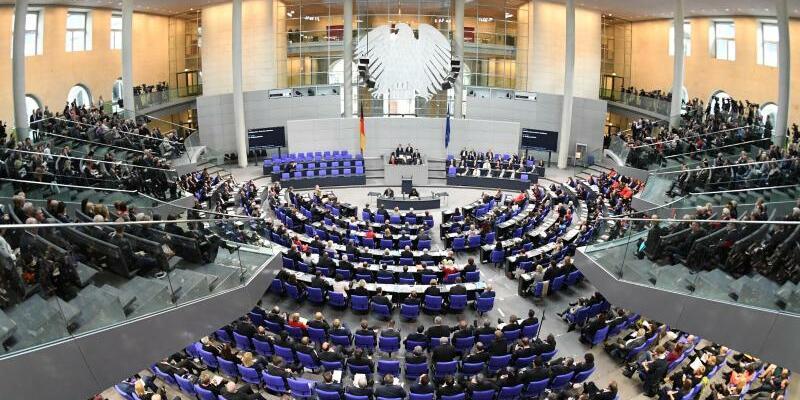 Bundestag - Foto: Ralf Hirschberger/Archiv