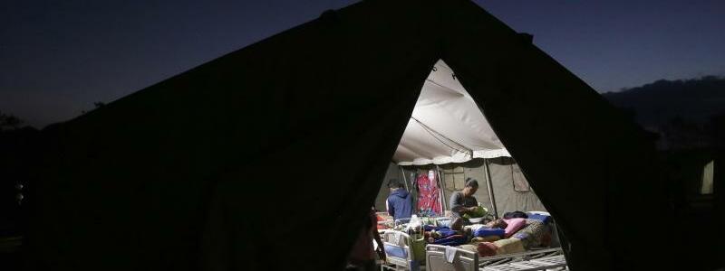 Versorgung - Foto: Tatan Syuflana/AP