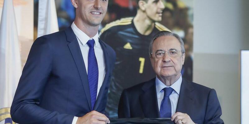 Thibaut Courtois - Foto: Torwart Thibaut Courtois (l) machte durch seinen Wechsel zu Real Madrid Platz beim FC Chelsea für die Verpflichtung von Keeper Kepa. Foto:GSR/gtres