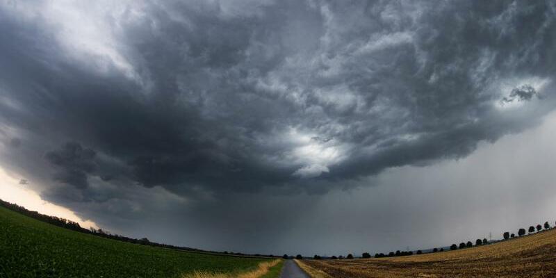 Unwetter in Niedersachsen - Foto: Julian Stratenschulte