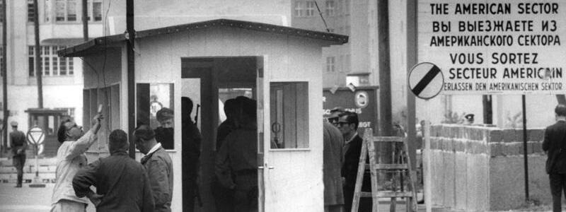 Checkpoint Charlie - Foto: dpa