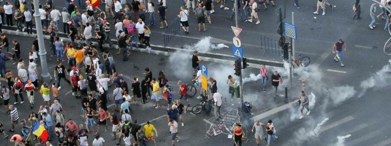 Einsatz von Tränengas - Foto: Vadim Ghirda/AP