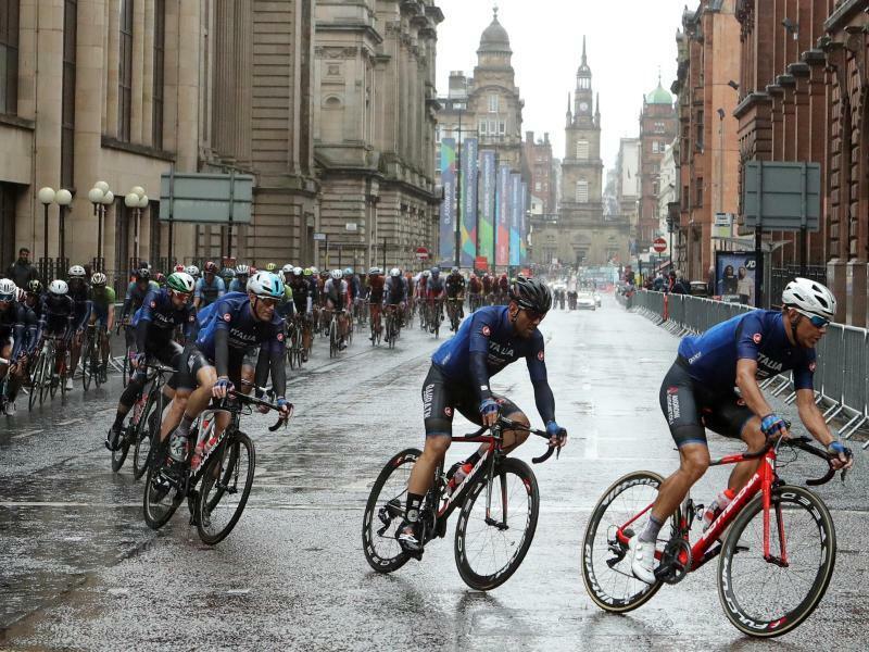 Straßenrennen - Foto: Bei nassen Verhältnissen führt das EM-Straßenrennen durch die Straßen von Glasgow. Foto:John Walton/PA Wire