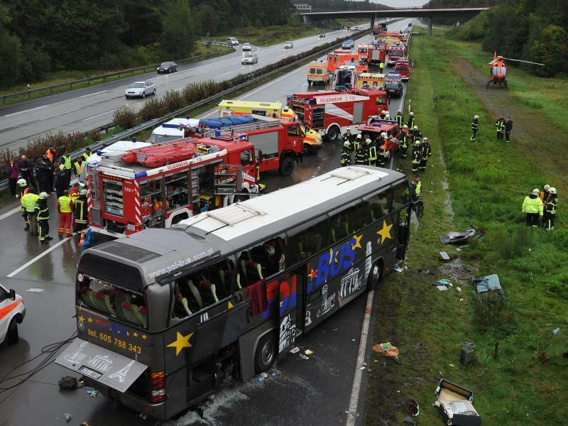 Busunfall bei Berlin im September 2010 - Foto: Patrick Pleul