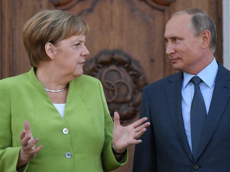 Merkel trifft Putin - Foto: Ralf Hirschberger