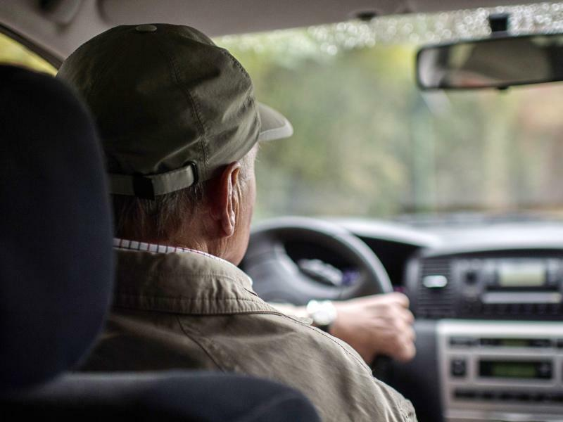 Älterer Autofahrer - Foto: Wolfram Kastl
