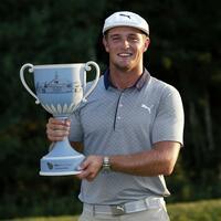 Turniersieger - Foto: US-Golfer Bryson DeChambeau hat das Turnier in Norton im US-Staat Massachusetts mit 16 Schlägen unter Platzstandard gewonnen. Foto:Michael Dwyer/AP