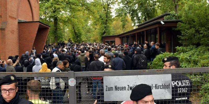 Beerdigung Nidal R. - Foto: Paul Zinken