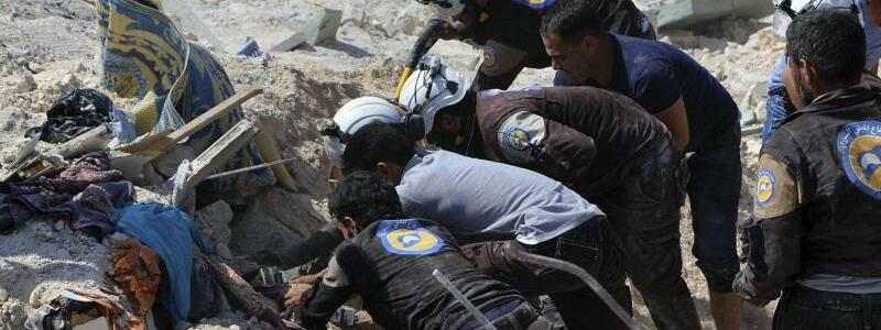 Luftangriff in Syrien - Foto: Syrian Civil Defense White Helmets/Archiv
