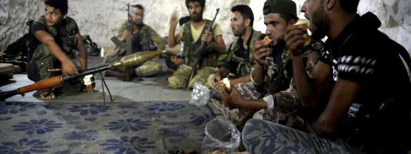 Freie Syrische Armee - Foto: Ugur Can/DHA via AP