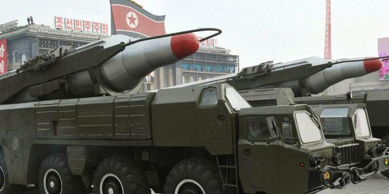 Musudan-Rakete - Foto: Eine nordkoreanische Musudan-Rakete wird bei einer Militärparade durch die Straßen von Pjöngjang gefahren. Foto:KCNA/Yonhap